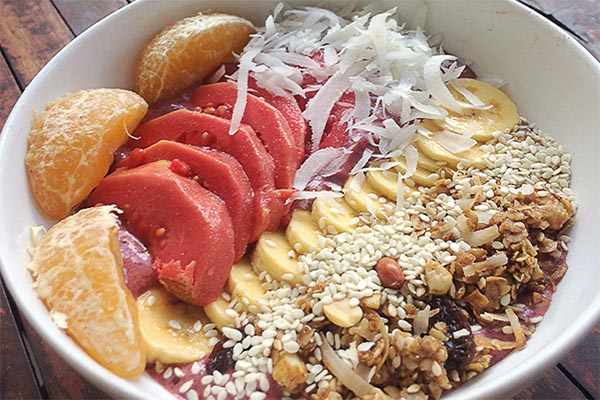 Guava Berry Smoothie Bowl